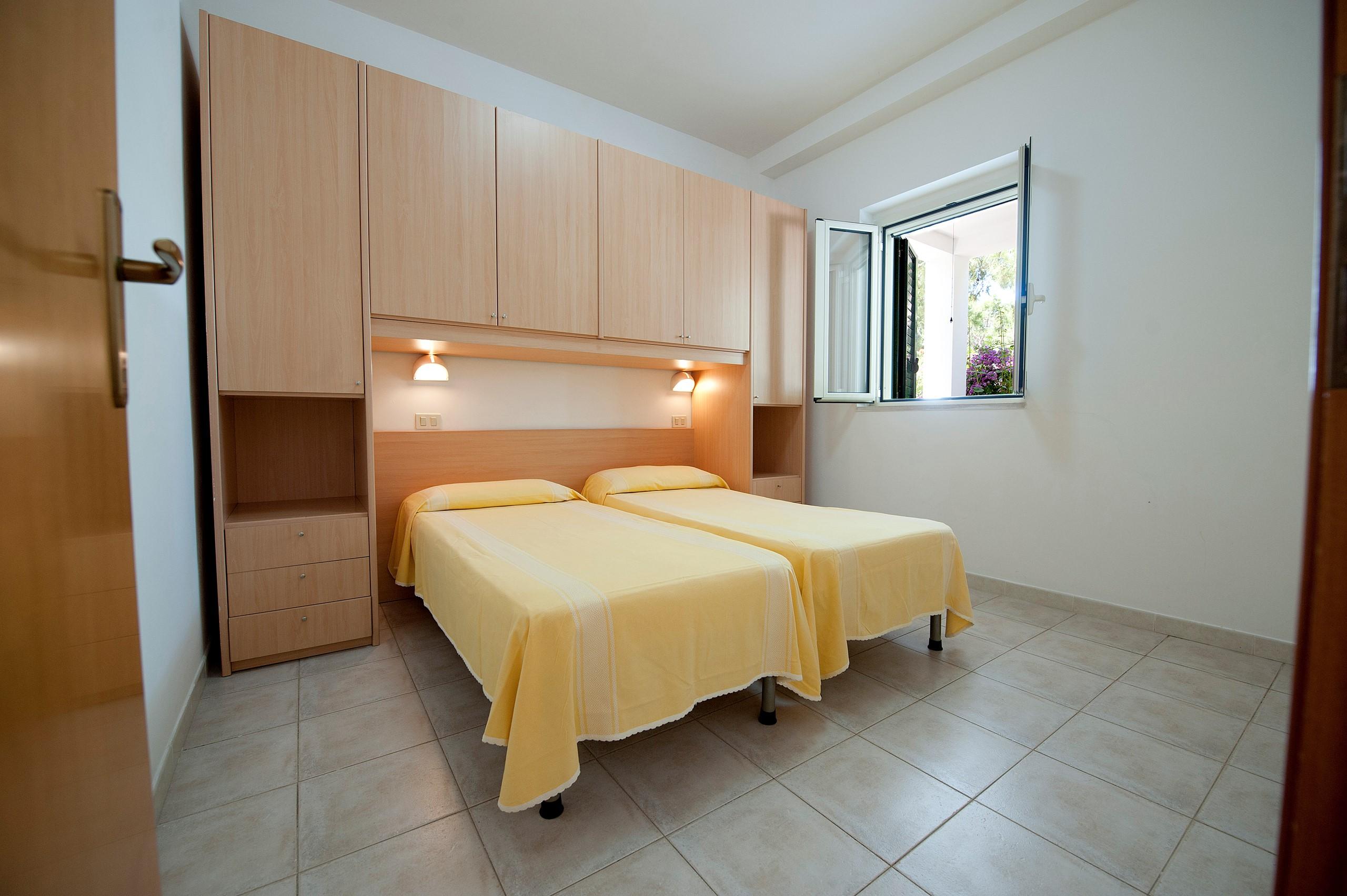 Camera Da Letto Con Divano : Doccia in camera da letto camera da letto in stile moderno with