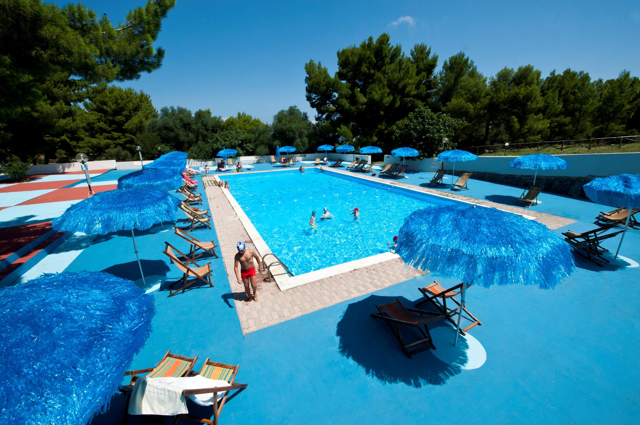 Villaggi vacanze con piscine sul gargano vieste famiglia - Camping con piscina ...