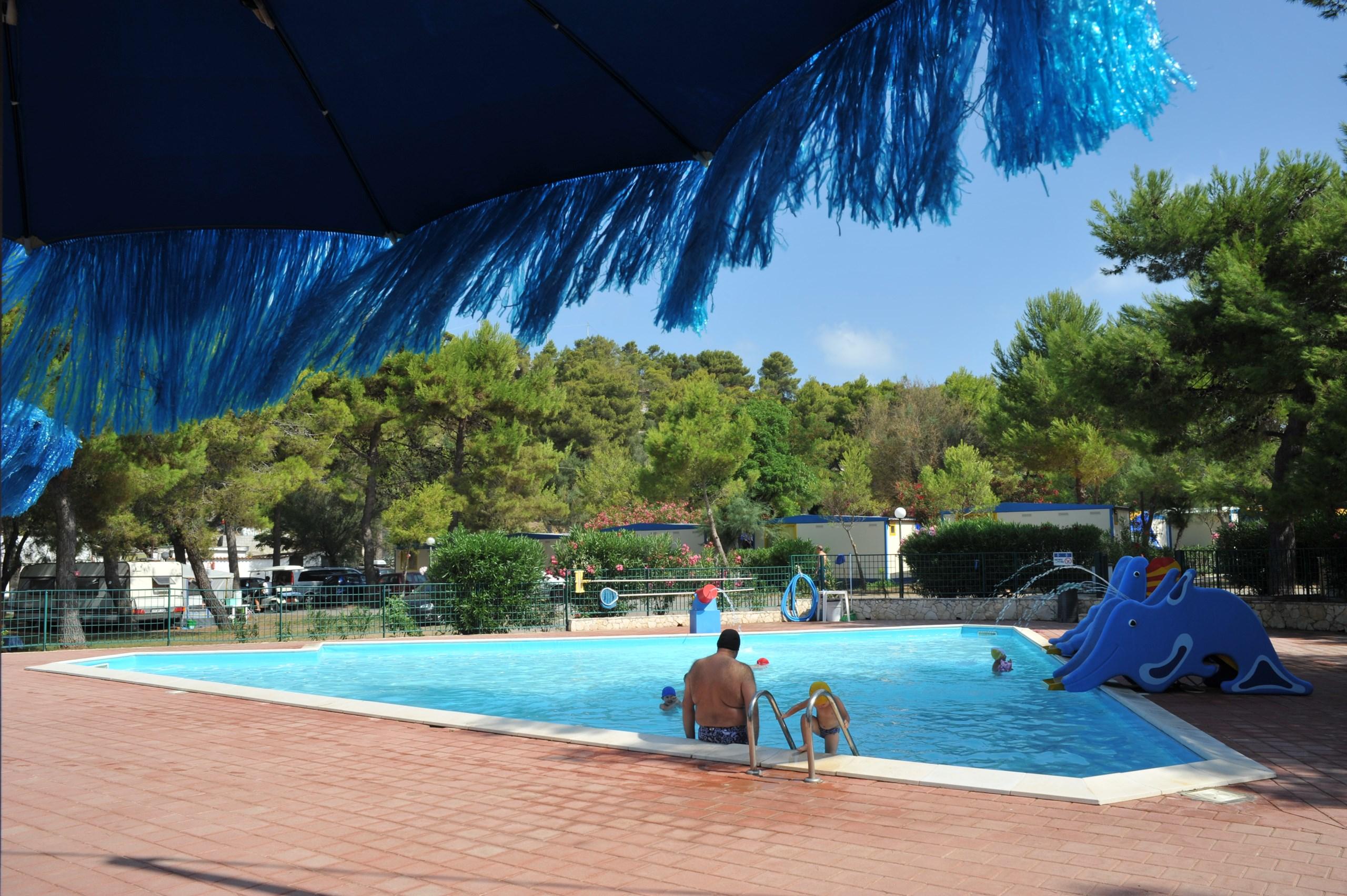 abbastanza Campeggi con piscina a Vieste relax-animazione BY86
