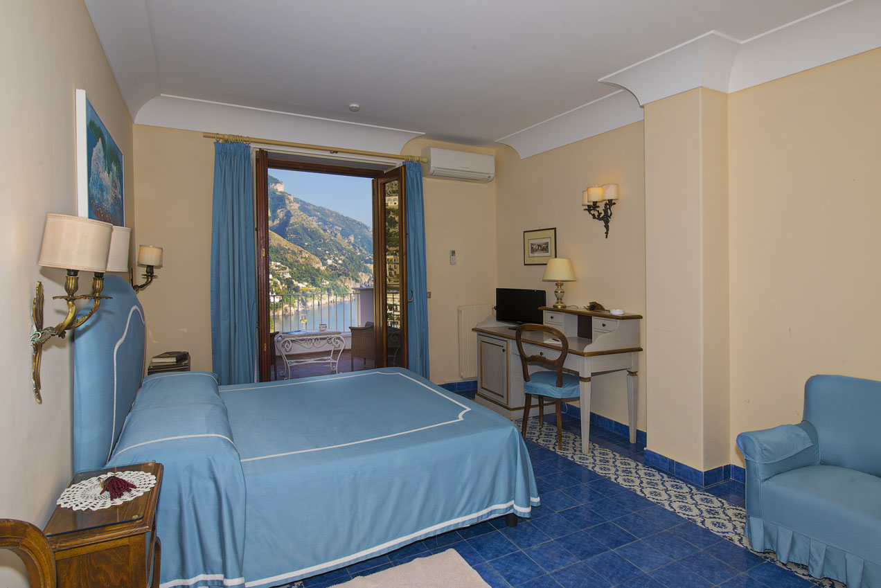 Hotel casa albertina official site one of the best for Casa positano